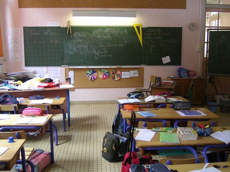 Projet d'immersion à l'école de Neuville-Village: une absence complète de concertation !